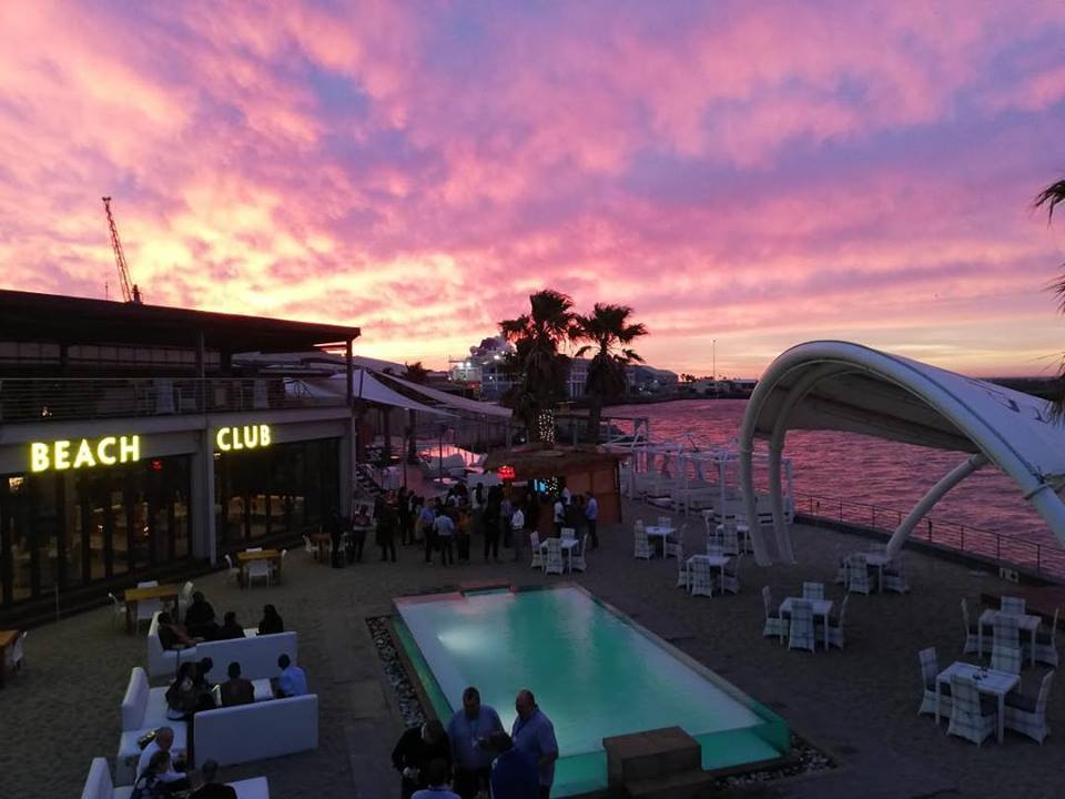 shimmy beach club Top 5 Places to Grab a Cocktail at the Waterfront in Cape Town